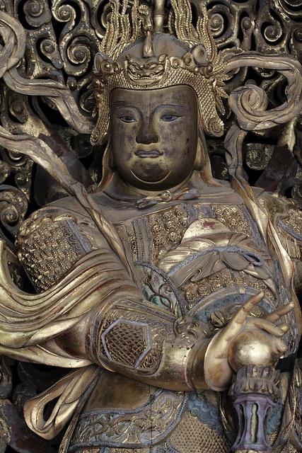 Ten-nou statue at Obakusan Manpukuji Temple, Kyoto, Japan