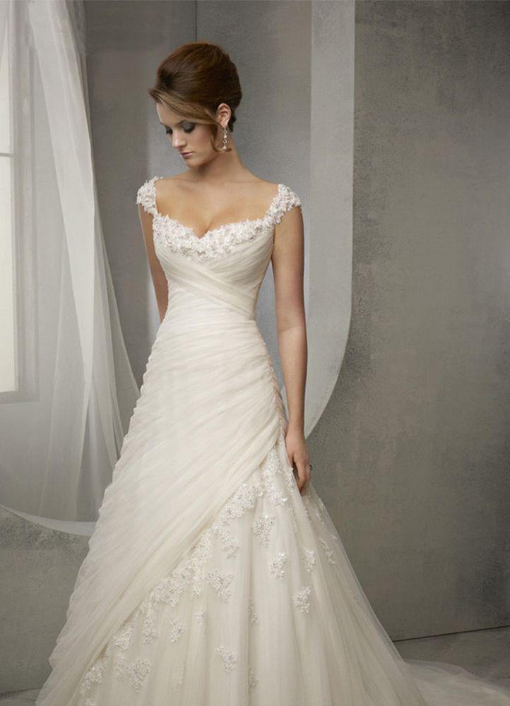 Lace V-neck long wedding gown - Uniqistic.com