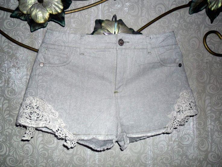 short de jean con aplique