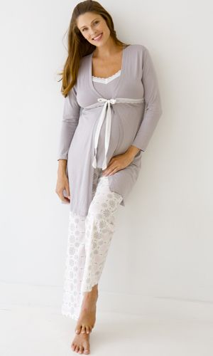 Feel radiant in this dreamily soft 3 piece gift set, an essential for all new moms. Perfect for nursing and lounging.