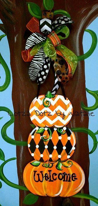 Topiary pumpkin door hanger. www.facebook.com/lotzadotzbynatalie