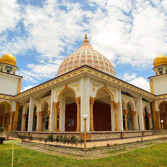 #wisatareligi  Mesjid Raya Takengon - Aceh Tengah  #WisataAceh #tengokaceh #aceh #takengon  Photo by:  @ikramrtp  Do follow @visitaceh_id on twitter and Like /visitaceh.id on Facebook. www.visitaceh.id