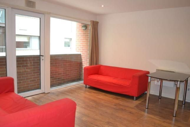 2 bedroom flat to rent  in City Road East, Manchester