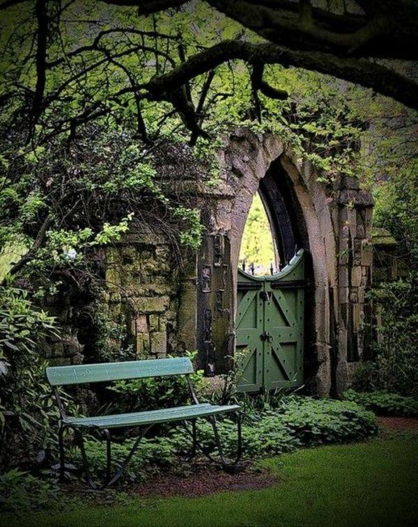 garten gestalten gartentüren gotischer stil