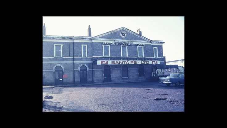 [Wikipedia] Yarmouth South Town railway station https://youtu.be/NgHI_s75Ras