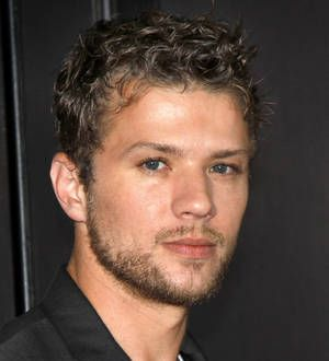 Ryan Phillippe takes a hit on property sale - YOUNG HOLLYWOOD