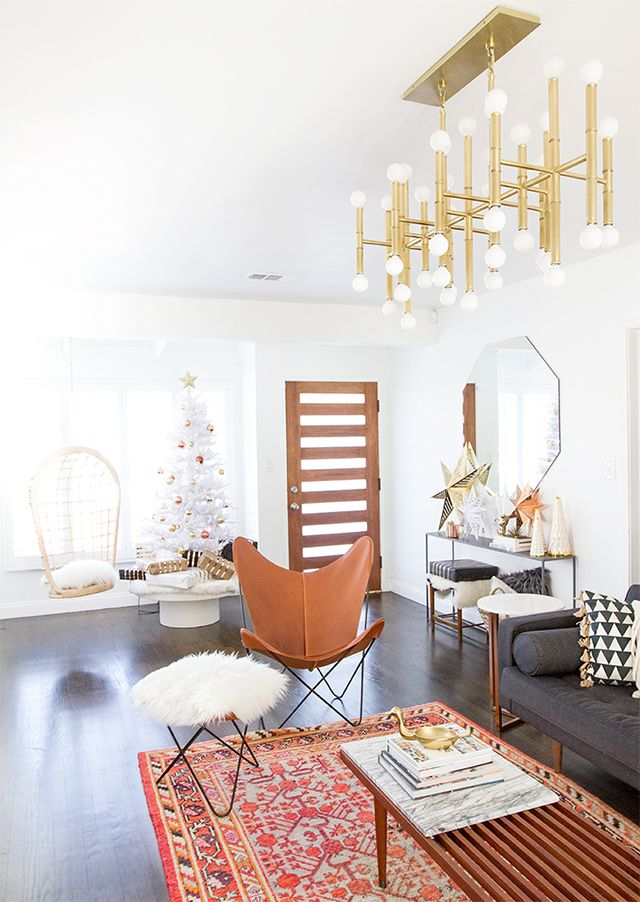 Best 20 mixed metals ideas on pinterest metallic decor metallic earrings and copper decor for Mixing metals in living room