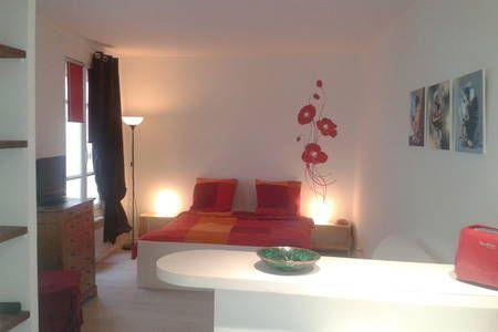 Bekijk deze fantastische advertentie op Airbnb: Odilicious'Flat in Paris-Le Marais - Appartementen for Rent in Parijs