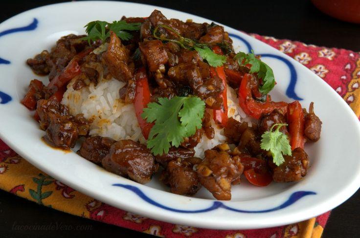 Stir-Fry tailandés de chicharrones