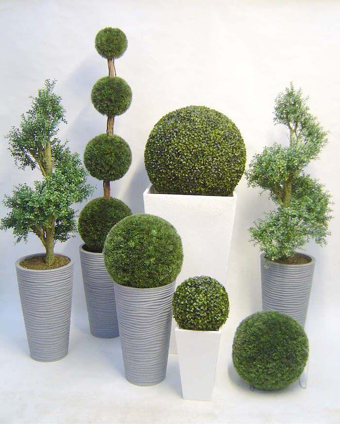 plantes vertes artificielles genre boule de buis artificiel dans pot plante artificielle exterieur