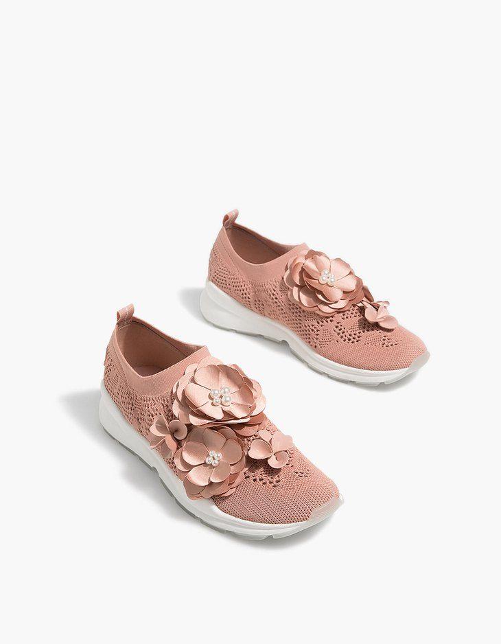 Sth Stradivarius 8a Breis 1 A8lhtika Diatrhta Papoytsia Me Loyloydia Sthn Apisteyth Timh Twn 35 99 Greek Episkepsoy Twra Thn Is Shoes Wedding Sneaker Sneakers