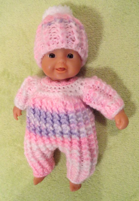 """New hand knitted premature baby//dolls bonnet white size 8/"""""""