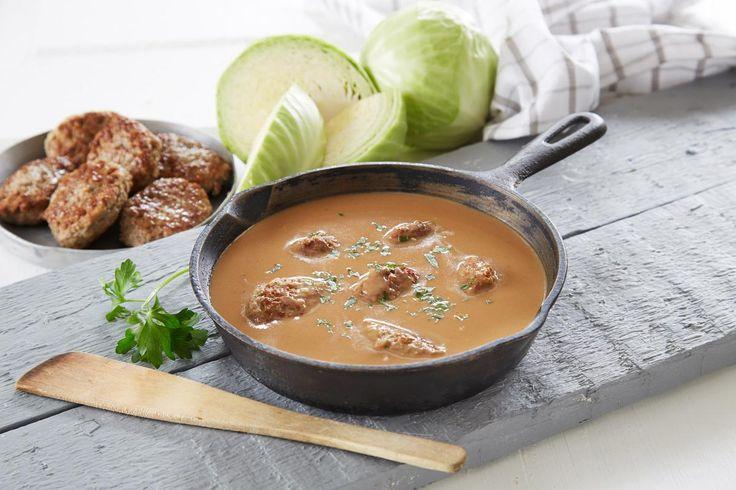 Er det en saus som blir sett på som den mest tradisjonelle i norsk matlaging, så må det være brun saus. Perfekt til kjøttboller!
