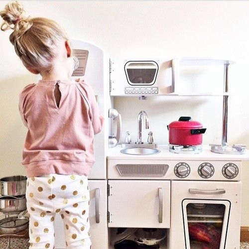 adorable little white kidkraft play kitchen! my girls have this play kitchen in pink and it is the cutest!