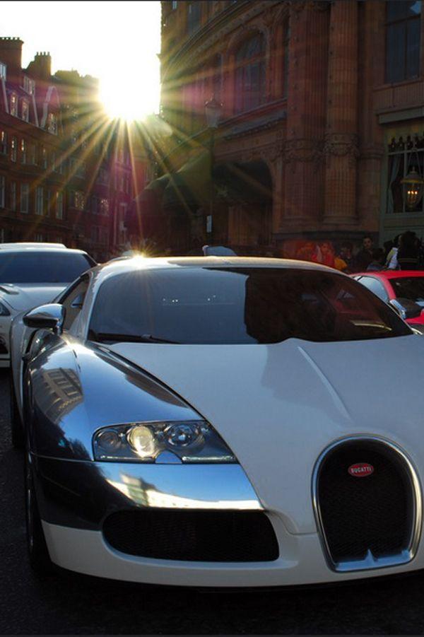 Merveilleux Bugatti. Play HardVintage CarsBugatti VeyronClassic CarsExoticSuper ...