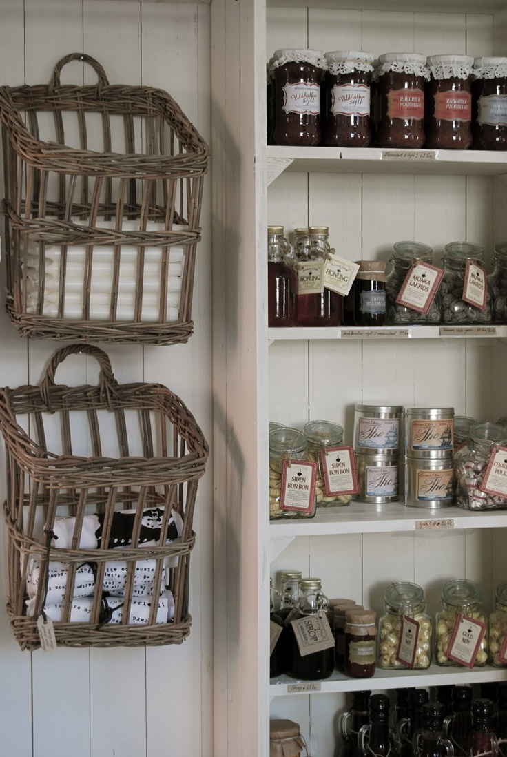 Love this pantry, and the use of baskets. These baskets.