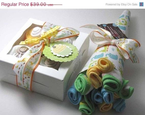 Soooo cute! Onesie Cupcake Set and Washcloth Flower Bouquet! via http://www.etsy.com/shop/babysweettreats?ref=pr_shop