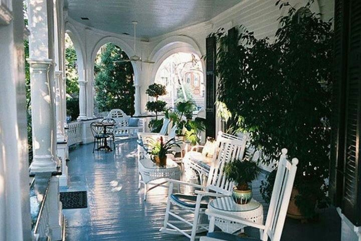 19 best christmas decorating images on pinterest stairs for Wrap around verandah