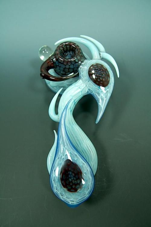This is so pretty. I'm always amazed by what people can do with glass