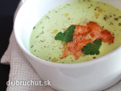 Petržlenová polievka s lososom