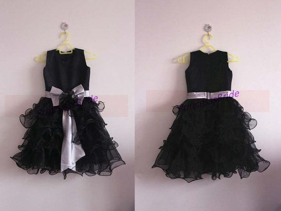 Latest black tulle satin flower girls dresses hot,simple cheap dress for flower girls,inexpensive cute girls gowns with bow.    This dress is