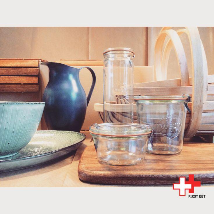 Online soon! www.first-eetwinkel.nl  #marble and #acacia #cuttingboards. #ceramics