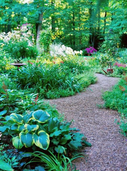 Create a knockout yard with these simple strategies. Create paths  A garden path allows you -- and visitors -- to enjoy your landscaping. It also creates a convenient route for plant maintenance. If your yard is large, plan paths at least 3 feet wide so people can walk together. Allow extra space for plants to spill over the sides, or for a bench.