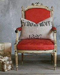 ♥mixin' it up .... antique chair in this year's 'hot' color + modern graphic in 'old world' font