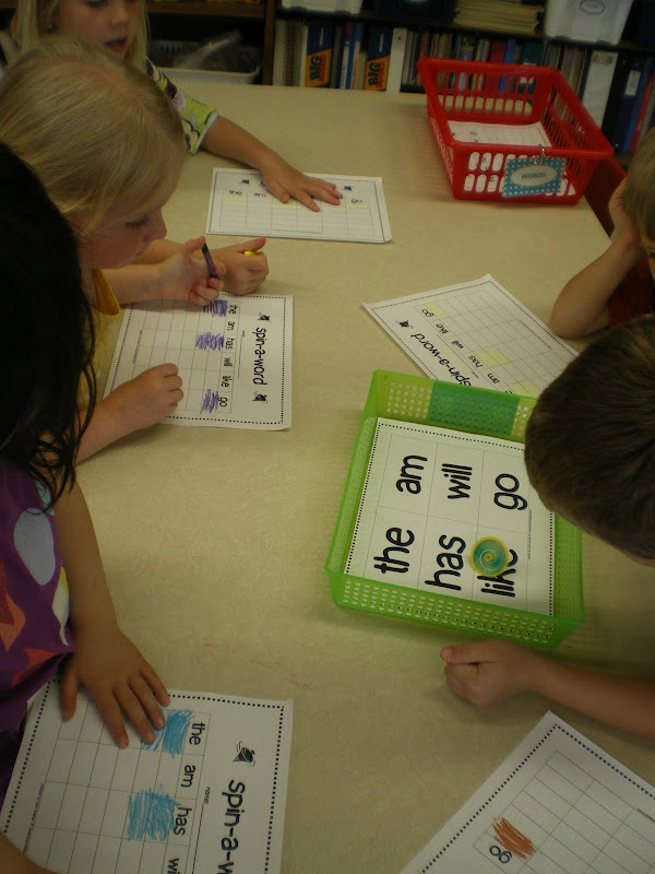Mme Bremer maternelle: Spin-A-Word & Freebie plusieurs postes de travail d'alphabétisation