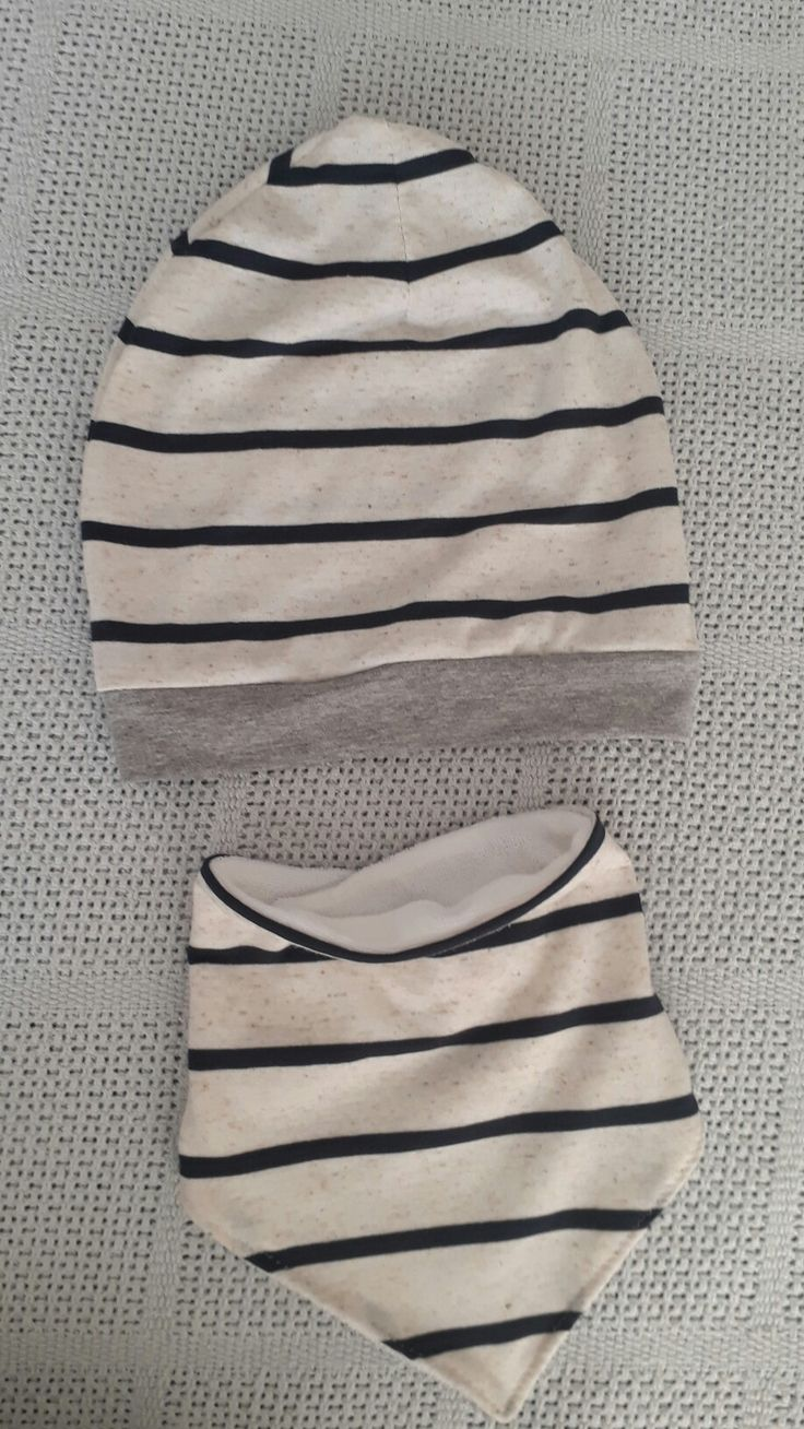 Nunu slouch beanie and bandana bib set