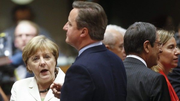Brexit blues at David Cameron's last supper in Brussels. German Chancellor Angela Merkel (L) and British Prime Minister David Cameron at the start of European Council meeting in Brussels, Belgium, 28 June 2016. EU leaders met for the first time since the British referendum, in which 51.9 percent voted to leave the European Union. EPA/OLIVIER HOSLET