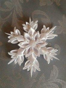 Dekorácie - vianočná vločka kanzashi ,, biela zima ,, - 7486169_