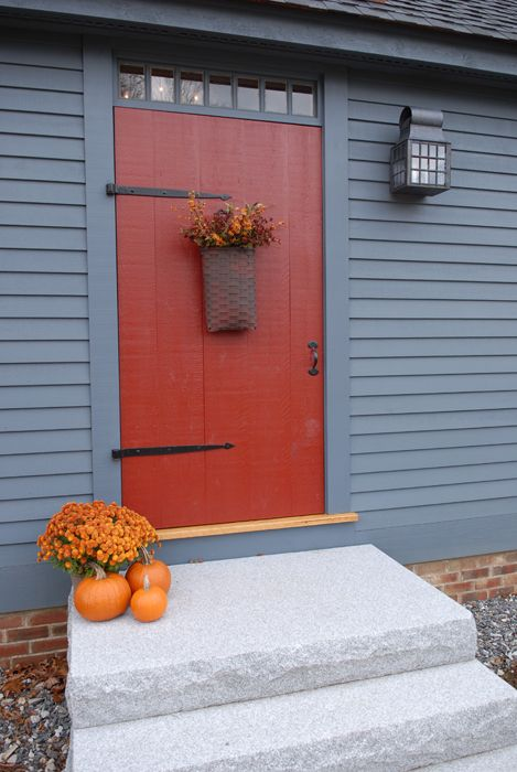 Love the New England style homes www.earlynewenglandhomes.com