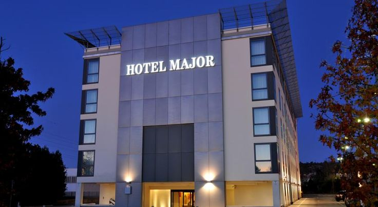 Hotel Major Ronchi dei Legionari Major Hotel is just 3 km away from Trieste Ronchi Dei Legionari Airport. Rooms and suites are all air-conditioned and offer free Wi-Fi. Parking is free.  The spacious accommodation at Major has a modern style and design furniture.