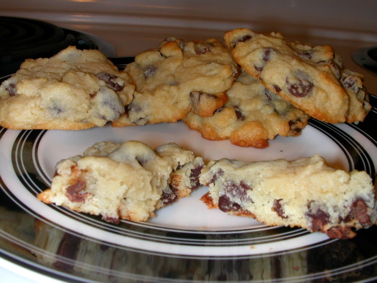 Cookie deliciousness (cream cheese chocolate chip cookies)