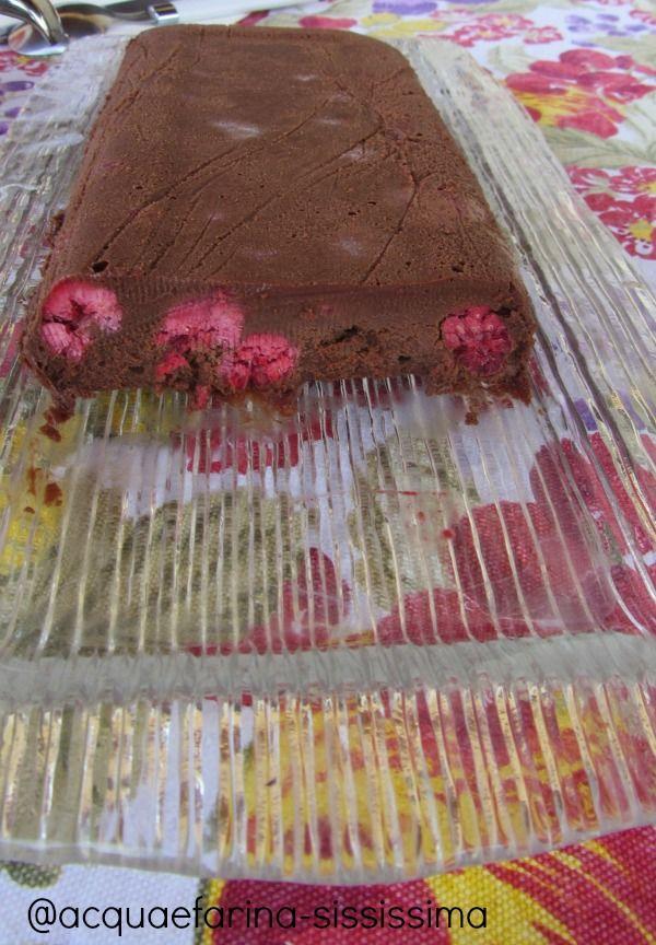 mattonella cioccolato e lamponi per UnLampoNelCuore