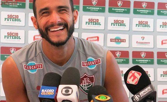 Henrique Dourado fica fora de treinamento e deve ser poupado no Fluminense