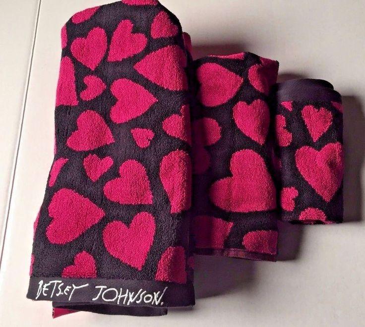 Nwt Betsey Johnson Heart Attack Fushia Black 3 Piece Towel