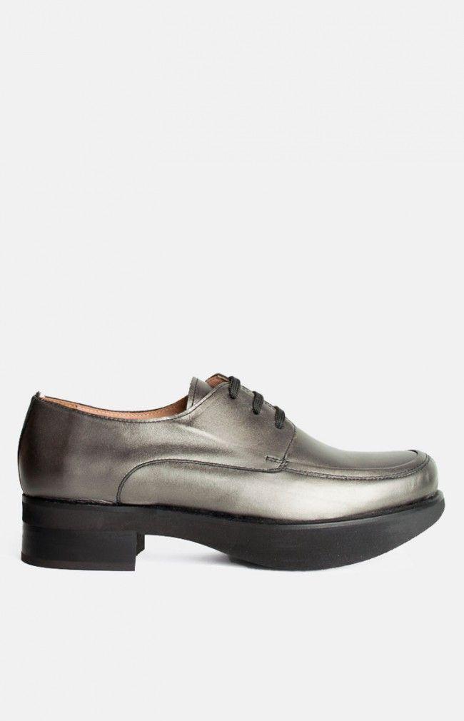 CREST Slip in leather shoe #silver #shoe #leather #design #handmade #simple #elegant #anglestore