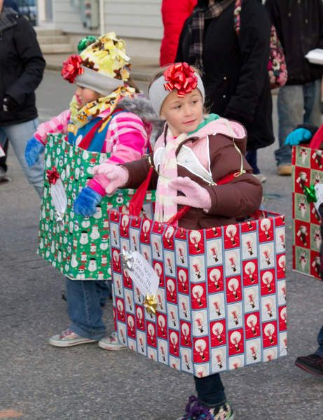 Girl Scout christmas floats | Wareham gets in the Christmas spirit with annual town parade and tree ...