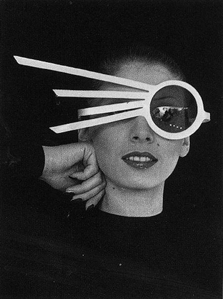 #Gafas futuristas en los años 60 #eyewear