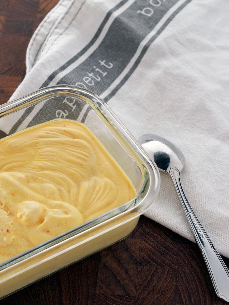 Saffransglass. Saffron icecream.