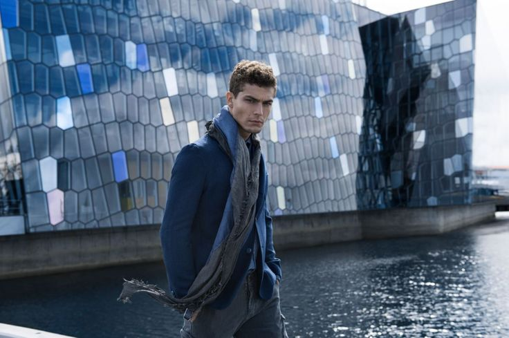 Uno dei must della nostra collezione invernale? La nostra giacca blazer Gill8 a fantasia misto lana con 3 bottoni spezzata a 2.