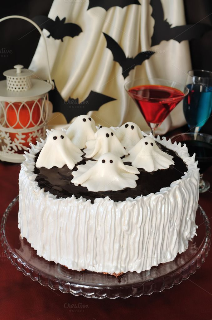 cake for halloween halloween cakescake decoratingdecorating ideasghostsamazing cakesholidayscreativesimplefrostings - Simple Halloween Cake Decorating Ideas