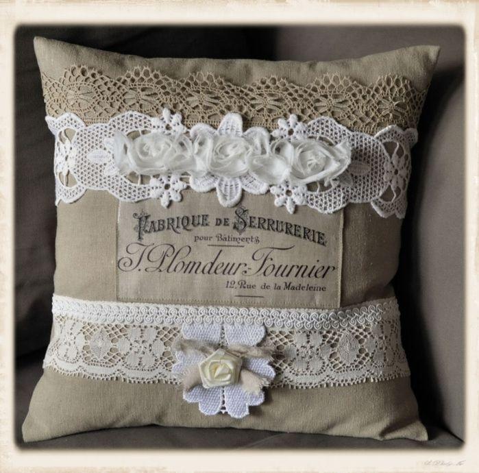 Винтажная подушка с кружевами и принтом. Шаблон для распечатки (2) (700x690, 322Kb)