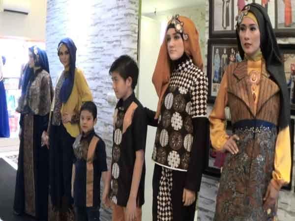 Cantiknya Paduan Batik Cirebon dan Pacitan dalam Satu Rancangan