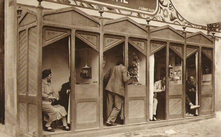 Casetas  de escribientes en el centro de Barcelona (1920)