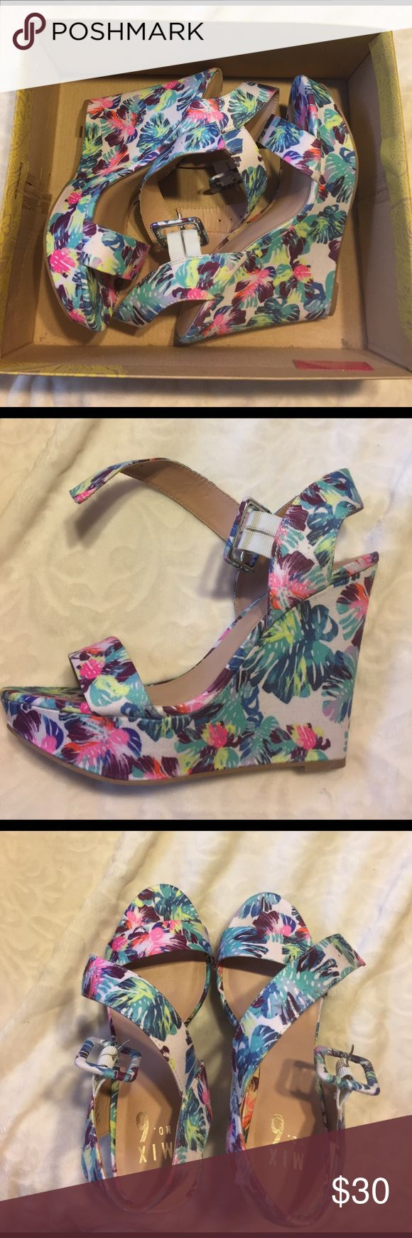 Floral wedge heels Adorable heels just in time for spring. Platform. Brand new, never worn Shoes Wedges