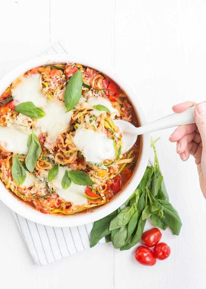 WW proof! Het recept is met de mozzarella 3SP, je kunt ook light proberen. Dan zijn de SP afhankelijk van hoeveel kaas en olijfolie je gebruikt. - courgette pasta uit de oven van Uitpaulineskeuken.nl