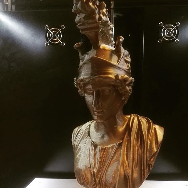 An old gold greek statue 3D printed #stampanti3d #3dprinting #kszero #stampa3d